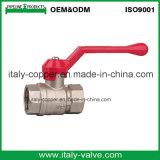 Válvula de bola feminina forjada de bronze quente com alça de ferro (AV1001)