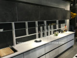 白いラッカーおよび灰色のメラミン表面MDFの台所Cupborads