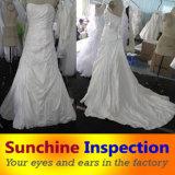 Качественный контрол обслуживания контроля перед отправкой платья венчания