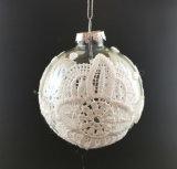 Ornement de Noël avec la bille en verre sur l'arbre (LCP-A-0002)