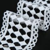 織物のアクセサリのための5.5cmカスタマイズされた綿のダイヤモンドの幾何学の網のトリミングのレース