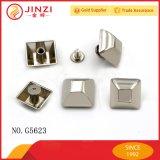 Divers goujons en alliage de zinc matériels respectueux de l'environnement de transitoire de type et de couleur