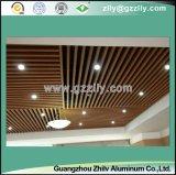 L'alta qualità ha sospeso il soffitto di alluminio lineare del deflettore di figura di U per l'aeroporto