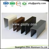 Techo de aluminio con forma de U. El deflector