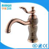 Rose Golden robinet d'eau de robinet mélangeur du bassin
