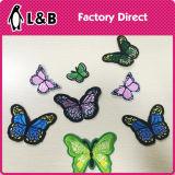 형식에 의하여 착색되는 나비 패치에 철
