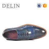 Diseño exclusivo de cuero auténtico encaje con hombres Zapatos de Vestir