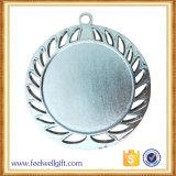 A concessão oca da medalha da inserção do espaço em branco da liga do zinco do laço da tira usou-se