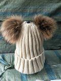 Elegante Bola de pieles de animales Hat Fluffy Raccoon POM tejer Hat