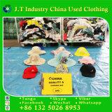 Vestiti usati del cappello di estate che vendono molto buon