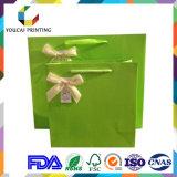 Bolsa de papel barata de Kraft Brown con la maneta de papel para el verde - materia