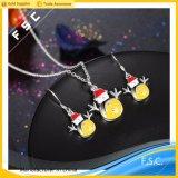 De promotiedie Juwelen van de Oorring van de Halsband van de Sneeuwman van de Gift voor Kerstmis worden geplaatst