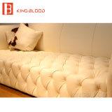 Retratos de couro luxuosos brancos do sofá do modelo novo Cum do sofá da sala de visitas