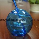 Copo quente da esfera redonda com palha