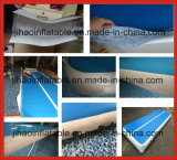 練習のための耐久のDwfの膨脹可能で青および白い体操のマット
