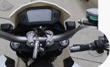 مدنيّ عبّر عن درّاجة ناريّة كهربائيّة