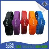 Wristband promozionale del silicone dell'elastico del braccialetto di fascino della fascia di festival del regalo
