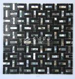 Shell de agua dulce y mosaico negro de mármol