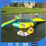 Giochi gonfiabili dell'acqua del lago trampoline dell'acqua della spiaggia che fanno galleggiare i giocattoli gonfiabili della sosta dell'acqua