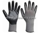 Серый нейлон трикотажные рабочие перчатки с черными дышащий материал из пеноматериала нитриловые покрытием (N1566БСС)