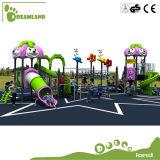 Campo de jogos ao ar livre personalizado de madeira enorme dos miúdos do jardim de infância