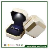 Eleganter kundenspezifischer LED-Schmucksache-Kasten