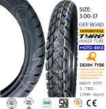 A motocicleta parte o pneu da motocicleta do pneumático da motocicleta do velomotor fora do pneumático 3.00-17 da estrada