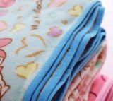 子供のセットされる珊瑚の羊毛の寝具: 漫画の毛布および枕カバー