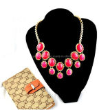 La primavera de la moda de resina roja Collar chapado en oro amarillo de las cadenas ajustable