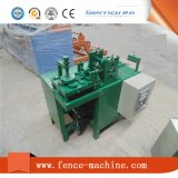 Machine à fabriquer des mailles de fil de fer barbelé