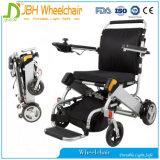 منافس من الوزن الخفيف يطوي قوة كرسيّ ذو عجلات لأنّ يسافر