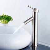 Faucet escovado niquelar do dissipador do banheiro de Flg com único punho