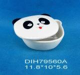 手塗りの陶磁器のパンダのクッキーかキャンデーボックス