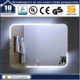 Espelho leve iluminado diodo emissor de luz fixado na parede do banheiro para o hotel