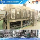 El agua de lavado automático de llenado de la máquina que capsula