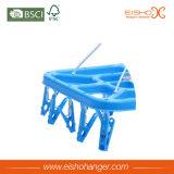 Зажимы вешалки использования носок Eisho складывая голубые пластичные