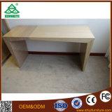 Design de mesa de TV de madeira barato na sala de estar