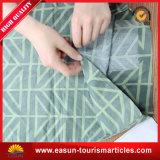 Coperchio non tessuto quadrato del cuscino di figura con il marchio ricamato