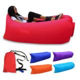 新しいデザイン浜の膨脹可能なLazybonesの膨脹可能な寝袋