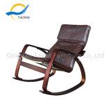 Mobiliário interior exterior cadeira de balanço de madeira com almofada de PU