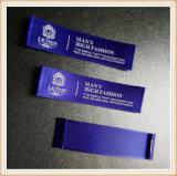 Escritura de la etiqueta tejida negro modificada para requisitos particulares de la marca de fábrica