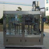 Nuova tecnologia e macchina di rifornimento ad alta velocità delle acque in bottiglia per le bottiglie dell'animale domestico e di vetro