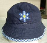 Chapéu normal do tampão da pesca do bordado bonito das crianças