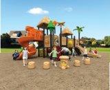 Equipamento ao ar livre do campo de jogos da criança