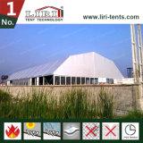 巨大な多角形のテントの構造のイベントの中心のテントの宴会の玄関ひさし