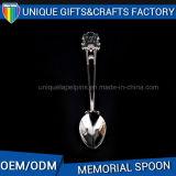 Cucchiaio molle personalizzato del metallo del regalo del ricordo della testa dello smalto da vendere