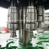 カスタマイズされたステンレス鋼のフルオートマチックのプラスチックペットボトルウォーターの満ちるパッキング機械
