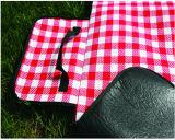 Rote/weiße Qualitäts-Picknick-Matte