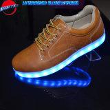 Света конструкции Китая ботинки нового вскользь для людей с Multi цветами