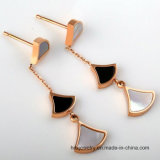 Les femmes en acier titaniques de mode neuve de bijou balancent longtemps des boucles d'oreille